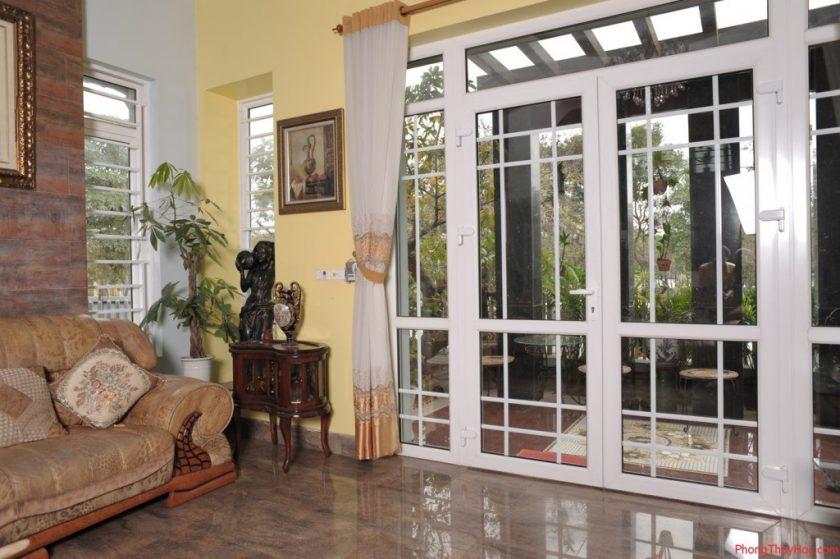 Chọn loại cửa phù hợp khi xây nhà