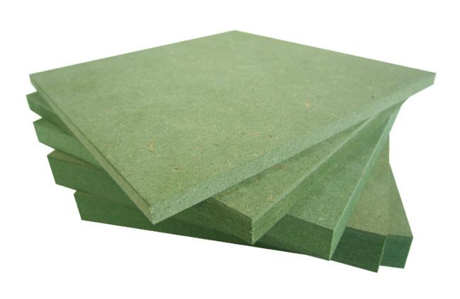 cửa gỗ được làm từ vật liệu gỗ công nghiệp HDF với khả năng chống ẩm