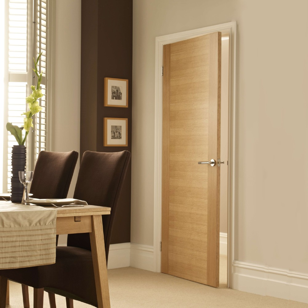 Mẫu cửa gỗ MDF sử dụng cho nhà Phố
